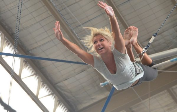 Flying Trapeze Knee Hang